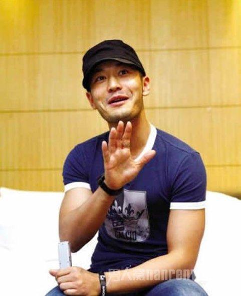 黄晓明担任《中国梦之声》导师前